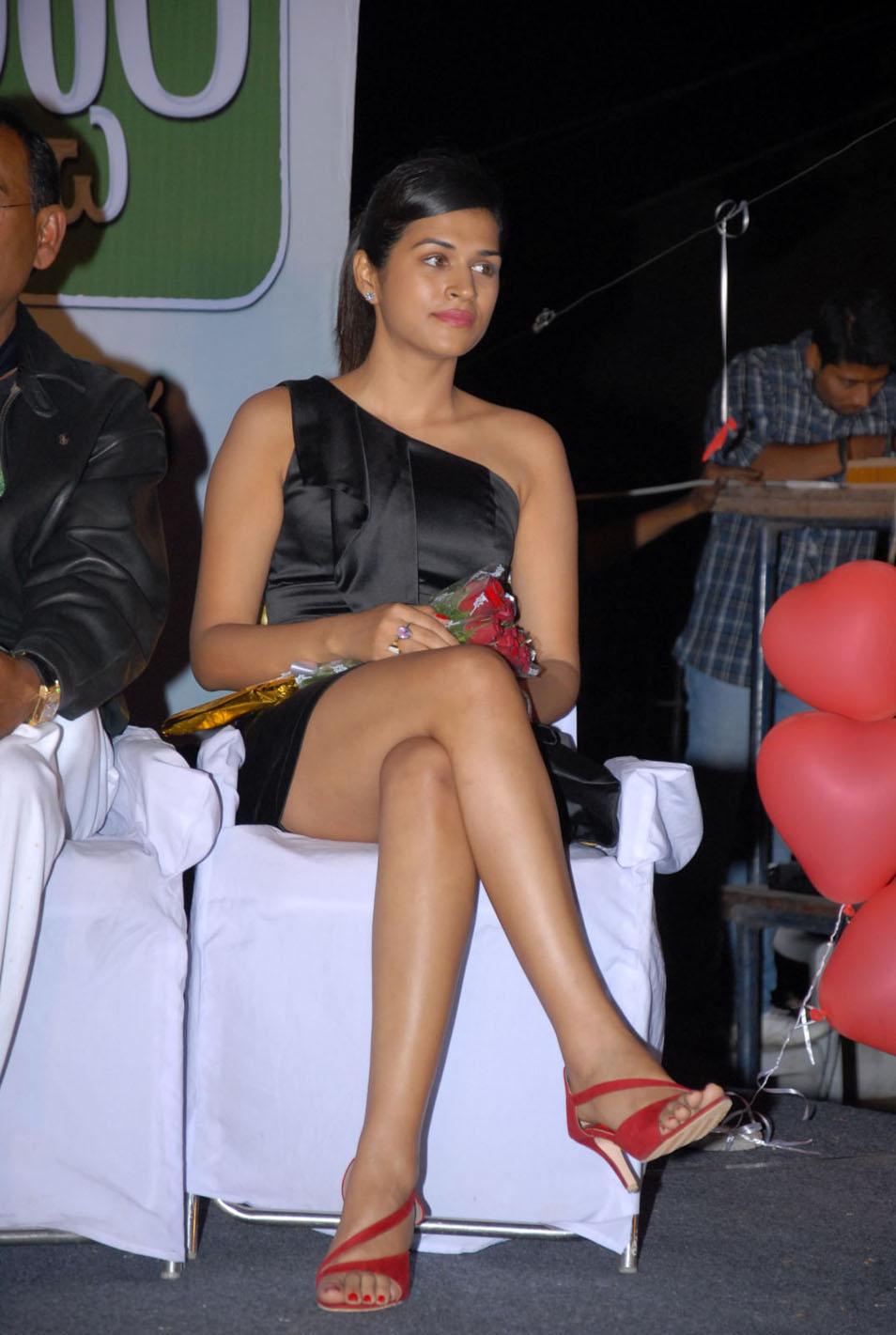 Shraddha Das Hot Stills At Event Cf 09 Prayaga Martin Leg