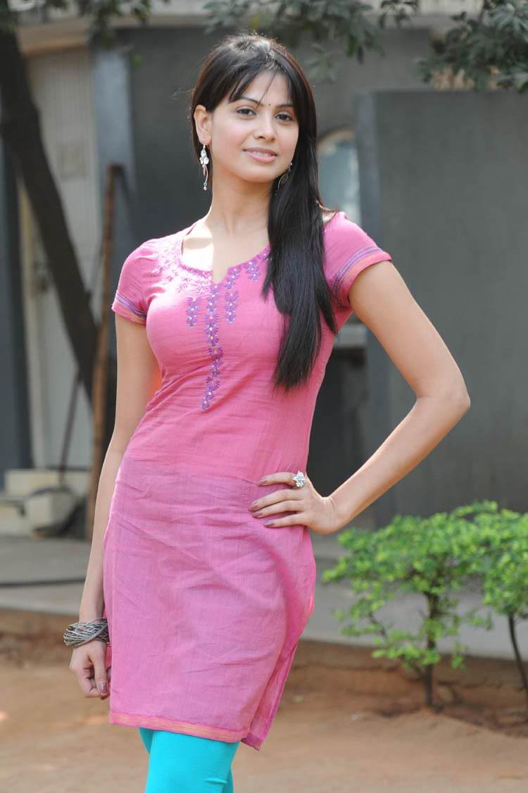 Supriya Shailja Stills  Itvs Blog-9497